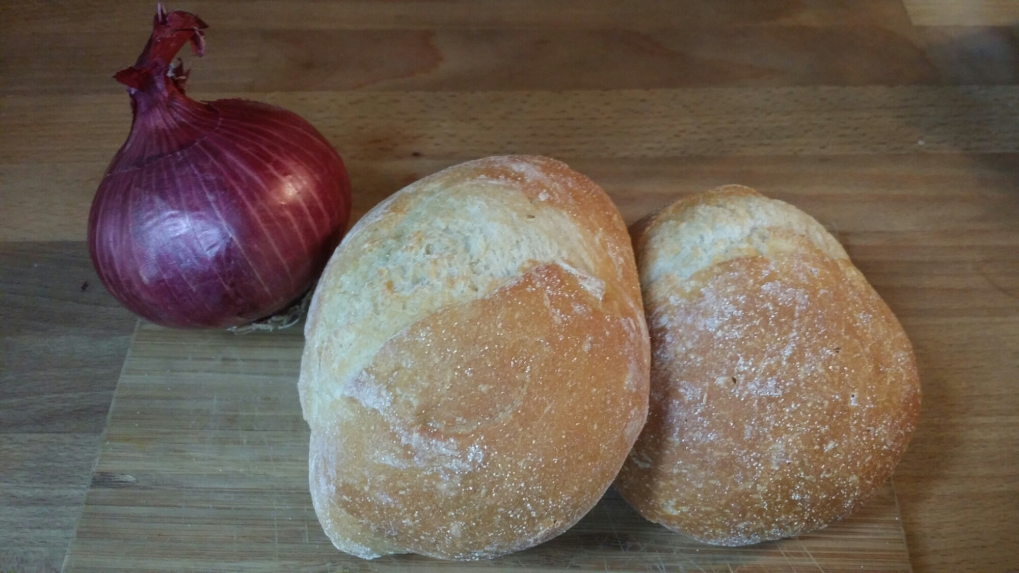 Red Onion and Rolls