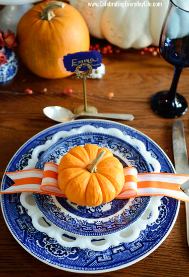 blue-and-orange-thanksgiving-table-setting