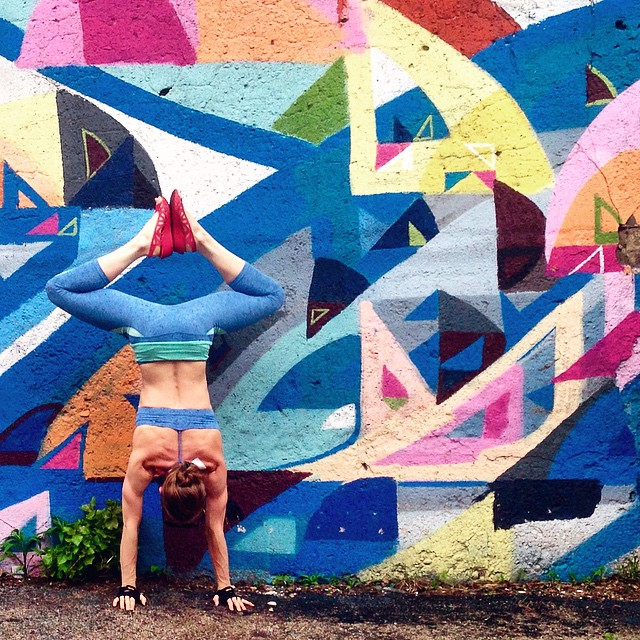 yoga-and-street-art